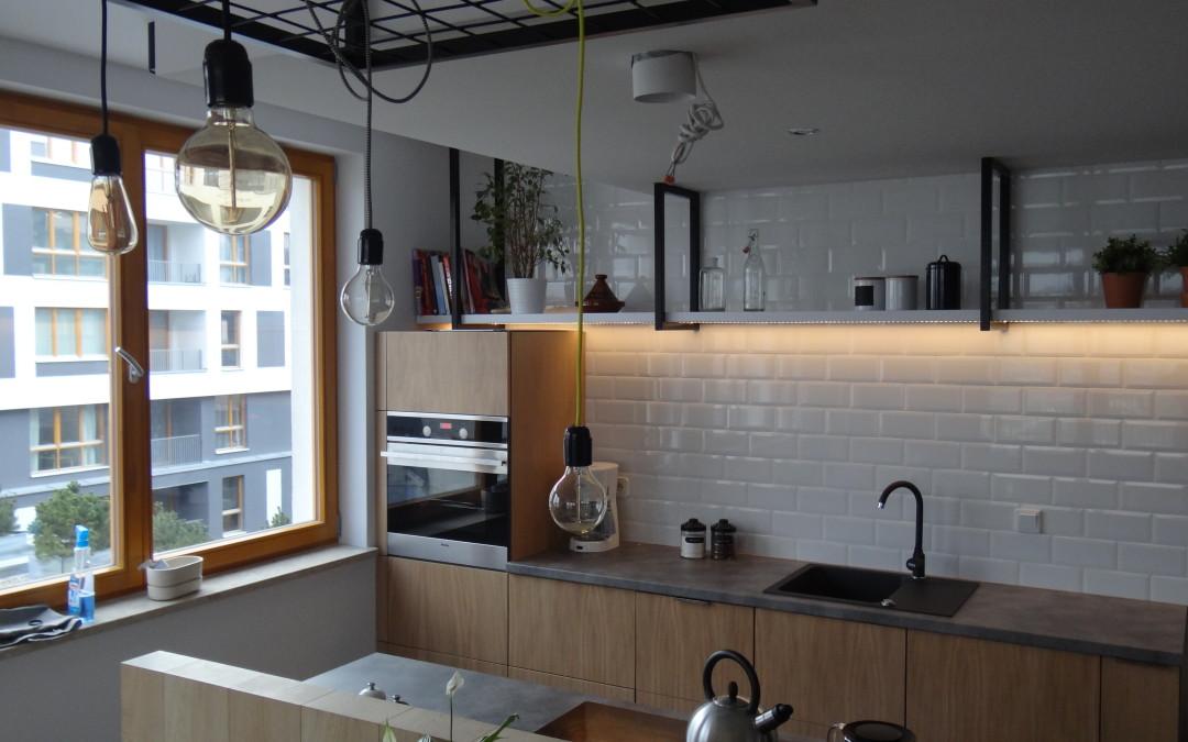 Meble kuchenne – połączenie drewna, betonu i stali